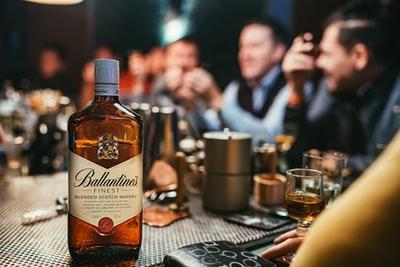 30種類以上のウイスキーから選べるハイボールが飲めるのはHOME〜スコッチウイスキーの巻〜